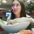 光看封面你是不会知道今天二姐的#vlog#都有啥内容,所以别装睡哈,赶紧看,点赞瘦10斤!(我嘴开光了哈哈)#吃秀##美食#