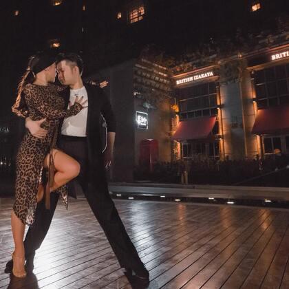 """""""不用再徘徊,你就是我最美的期待"""" 郭锐钟鹏老师用拉丁演绎#最美的期待#,这个#520#用舞蹈给你柔情。#舞蹈#@美拍小助手"""