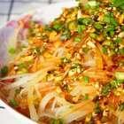 <凉拌土豆丝>天太热,你会不会什么好吃的肉肉也吃不下?只想吃点爽口的凉拌菜呢?#美食##海椒记##热门#