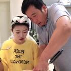 公公居然和我抢西瓜吃@小金刚😄 #精选#