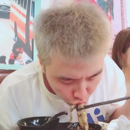 对于吃货来说吃到嘴里的都是最爱吃的食物哈哈哈哈哈哈哈
