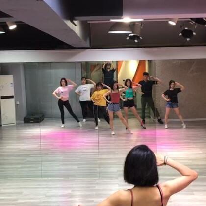 #创造101主题曲舞蹈#一节课学会666啊❤一曲正能量的歌。可爱可爱🌷🌷🌷