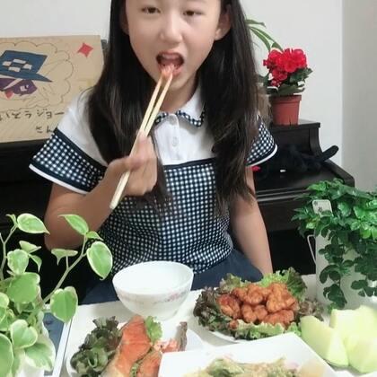 今天给丽奈改善生活😘小家伙吃的好香好开心😃吃了三碗饭🤣@美拍小助手 #精选##宝宝##吃秀#丽奈说妈妈做的饭最好吃😋@小慧姐在日本