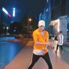简单欢快的舞蹈,希望看到这个视频的小可爱都开开心心??#精选##有颜##舞蹈#@美拍小助手