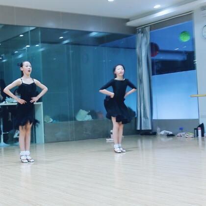 #舞蹈##拉丁舞#一直觉得:舞蹈,是最适合女孩儿的运动💃
