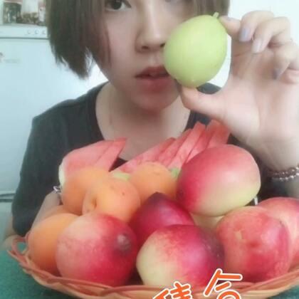 #吃秀#天太热啦,要多吃水果,我是属于那种可以一天不吃饭专吃水果的,过两天又该去买水果啦,已经想好买啥了,买芒果和西瓜🙈🙈🙈你最爱啥水果👀