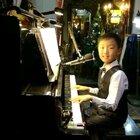 《不是我不小心》即兴弹唱送给,@荣🐭🏊😍 阿姨,谢谢您一直以来的支持与礼物👍👍👍🌹🌹🌹同时也送给大家#钢琴##音乐#