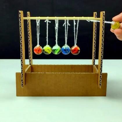 #手工#用玻璃珠和硬纸板做的简易牛顿摆,应急用挺好#牛顿摆##科学小制作#