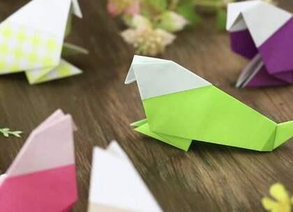 手工DIY:折纸是锻炼宝宝手部精细动作的好方法。宝爸宝妈们可以给宝宝做示范,让宝宝跟着模仿、折出自己的作品。#宝宝##育儿#@美拍小助手 贝贝粒,让育儿充满欢笑。
