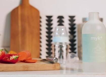 """#福粒测评#第8期携海量福利如约而至!本期活动推荐的试用好物是丹麦品牌""""洣洣myk+""""蔬果儿童餐具洗净液,去污力强,温和亲肤,不含致敏物质,大大降低过敏几率。现邀请104位宝爸宝妈参与免费测评,分享试用体验。机会多多,快来领取https://babily.com.cn/q/Nfi36j #育儿#@美拍小助手 贝贝粒,让育儿充满欢笑。"""