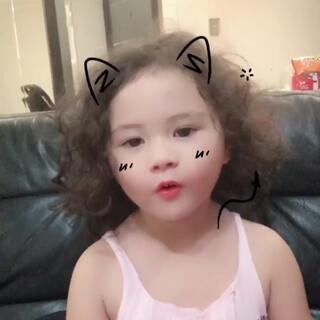 #学猫叫手势舞#momo好喜欢这首歌哦,都会唱了 #宝宝##mo跳舞#