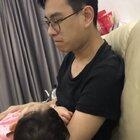 爸爸带孩子感受一下♥