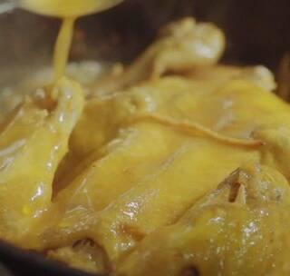 探店徐汇日月光一家音乐餐厅,吃口1秒钟脱骨的神仙鸡!#美食##上海美食发现##上海#