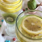 偷偷的告诉你,这两种水果放在一起做出来的饮料就是脉动的味道@美拍小助手 #美食##hello美拍##吃货#