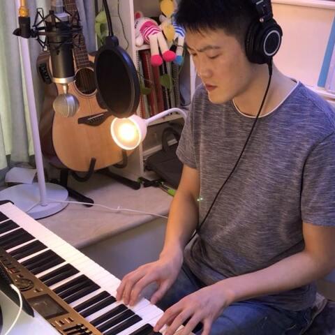李荣浩《戒烟》钢琴弹唱。戒了烟我不习惯,没