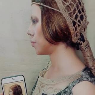 达芬奇大神的作品《美丽的公主》仿妆,侧脸轮廓差别太大真的尽力了?这个发网编的要了我的老命了?#精选##达芬奇##世界名画#@mp助手123?