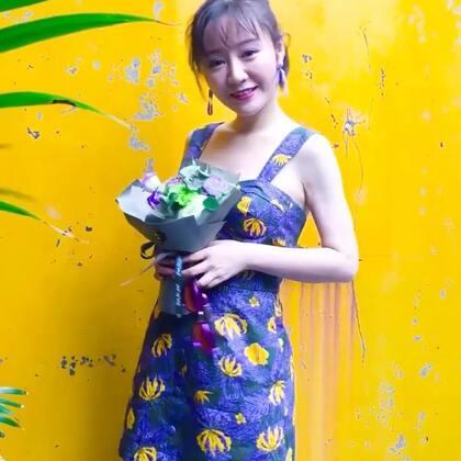 小个子女生夏季印花裙搭配#穿秀##i like 穿搭##我要上热门#@美拍小助手