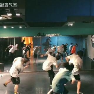 天津AE街舞教室的美拍:#天津教程#寒假班HIPUGNX7.0数控加工街舞图片