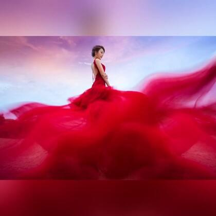 大家期待已久的婚纱照终于出来了??苦苦等了2个月??#热门##婚纱照##我要上热门#