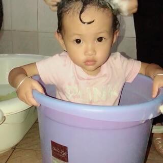 这种洗头方式还是第一次见