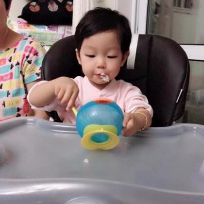 断奶前啥都不爱吃,断奶后每天不停的吃,连白米饭都能吃那么香??