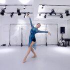 云想衣裳花想容,古典舞的美,就在那指尖的一呼一吸中,得以綻放。 |  郭青天老師編舞作品《蝶夢情深》| 舞者:瀟瀟  #古典舞##旗袍舞##中國舞#?@珠海舞境文化傳播中心 @美拍小助手