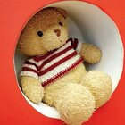 今天依旧寻寻觅觅,找到了她最喜欢的小熊?#家有萌宝#