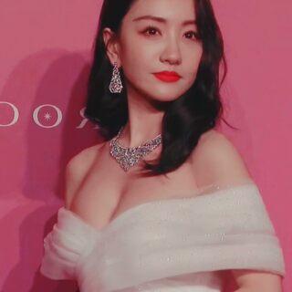 #39岁杨蓉不愧是不老女神 今天参加线下活动,身材看起来很有料噢