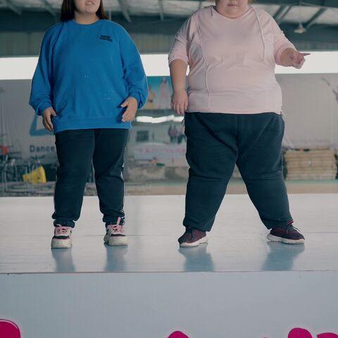 【婧婧逆袭记美拍】减肥不忘和姐妹娱乐#减肥##跳舞#