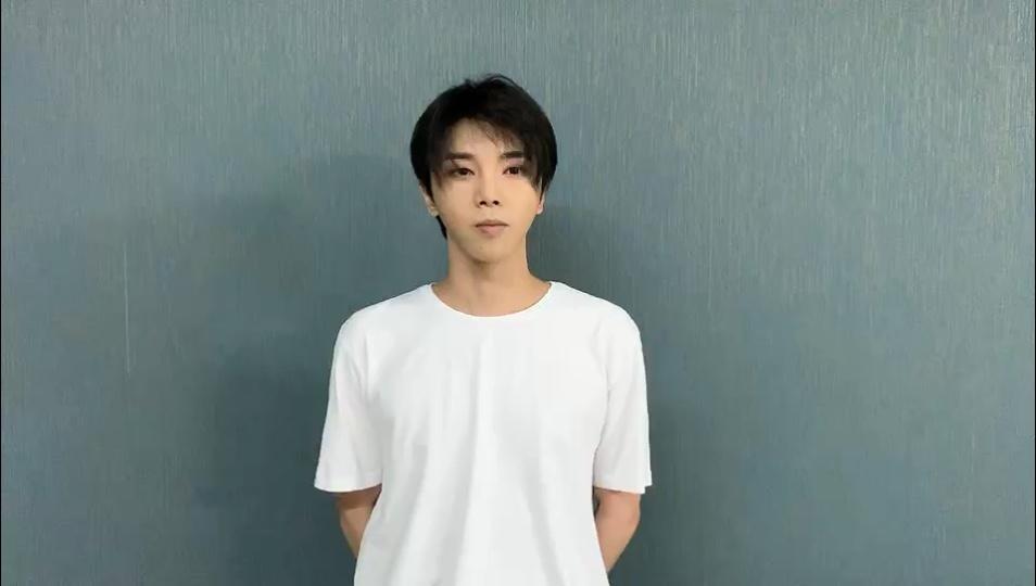 [新闻]190502 新青年耀青春 优质青年华晨宇接力宣誓