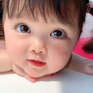 #搞笑宝宝#自己玩的挺嗨呀!