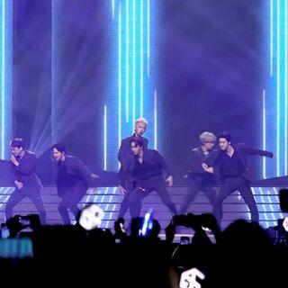 #EXO - TEMPO#SBS SUPER CONCERT IN 香港2019.8.2 突然来了一场放送!打破你的碎觉计划😂#舞蹈##敏雅韩舞专攻班#http://www.minyacola.com/