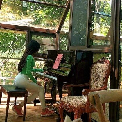 山林間透明玻璃房里的琴聲?? ?? ?? 肖邦《幻想即興曲》??@美拍小助手