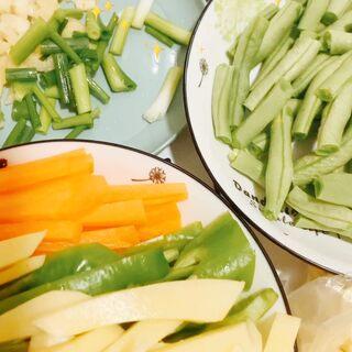 今日菜單——豆角土豆燜面#美食##家庭自制美食#@美拍小助手 #我要粉絲,我要上熱門#