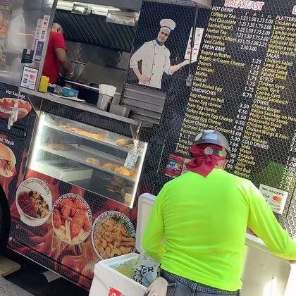 這種food truck 餐車不是特別貴,但執照不好申請#美國##紐約曼哈頓##我要上熱門@美拍小助手#