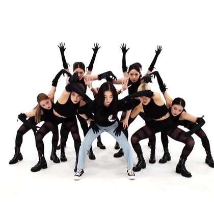 #RedVelvet##裴珠泫 & 姜澀琪 - Monster# 一周的偶像里的表演#舞蹈##敏雅韓舞專攻班#http://www.minyacola.com/