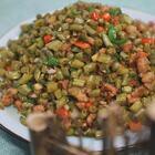 酸豆角肉沫是非常家常又經濟的一道開胃菜,制作酸豆角的方法也很簡單、#黃掌勺##美食##酸豆角肉沫#
