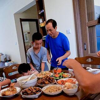 回娘家,妈妈准备一桌好吃的,满满的都是爱 #我要上热门##美食##农村#