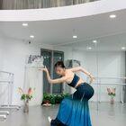 穿上演出服就進去舞者狀態 思彤即興發揮后期配樂版的彩云之南。#彩云之南#