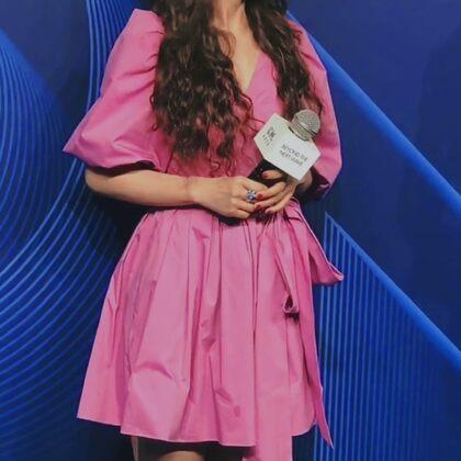 吴昕今年在《乘风破浪的姐姐》中表现很出色,刷新了观众对她的印象。