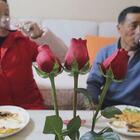 给爸妈过一次情人节,精心准备了西餐红酒玫瑰花,老妈今天很开心#情人节##美食#