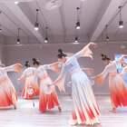 😍城市舞集-派澜苏悦婷老师#原创编舞#,罗湖校区中国舞班学员课堂展示柔美团扇舞蹈#西楼别序#,特别好看,可以列入2022年#公司年会#舞蹈表演节目单了😃