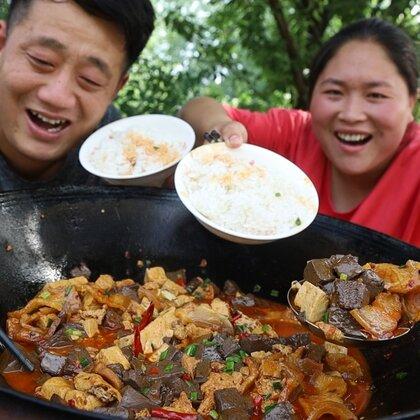 胖妹给老公出难题,5块钱买4斤啥美食?又香又辣,2人吃过瘾了#美食##胖妹##吃货#