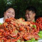 胖妹改善伙食,买10斤龙虾,整2种吃法来解馋,肉质Q弹吃过瘾#美食##胖妹##吃货#