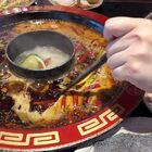 对重庆人印象极好,尤其司机技术贼高,45分钟的路程20分钟就飞飙到了,一路感觉跟坐跑车一样的推背感。然后物价比成都还要便宜,绝对是南方中的大哥大,豪爽大气!#重庆火锅##我要上热门##吃秀#