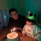 我是小熙熙,这个是我爸爸,我觉得他是这个世界上最好的爸爸😊