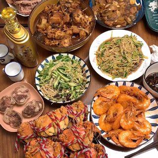 大过节的回爹妈家露一小手💁🏻♂️视频的最后就是我每天晚上的现状😀#国庆快乐##美食##吃秀#
